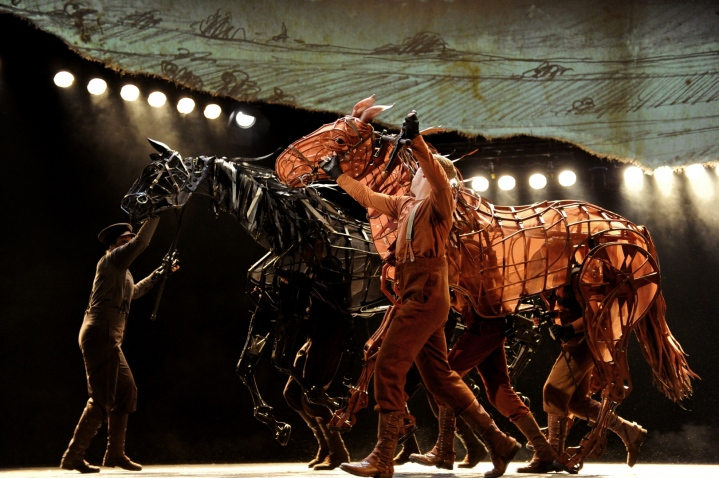 war-horse-australia-topthorn-and-joey-running1